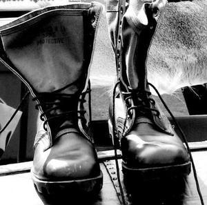 Hur man spetsar skor militär stil