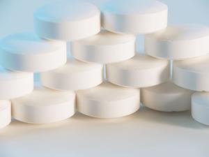 Hur att lösa upp en aspirin i vatten eller läsk