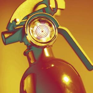 Varför blir koldioxid brandsläckaren horn kallt?