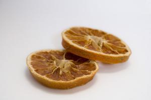Hur man gör potpurri av torkad frukt
