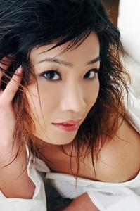 Medellång längd frisyr idéer för asiatiska tjejer