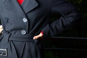 Kläder för att dölja eller täcka en stor midja eller tjock mage