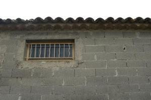 Idéer för efterbehandling en interiör betongblock vägg