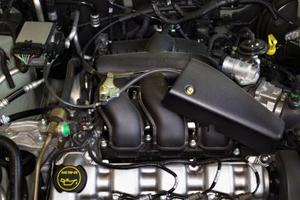 Tecken & symtom på en dålig mass air flow sensor på en Oldsmobile Aurora