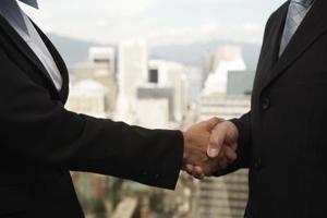 Fördelar & nackdelar med begreppen outsourcing fusionen förvärv