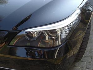 Hur man återställer 2001 BMW 325i Skötselsymbolen