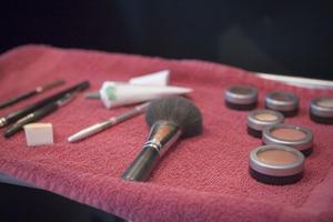 Hur man blir en makeupartist i en begravningsbyrå