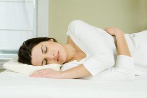 Hur kan man förhindra kalvkramper medan du sover