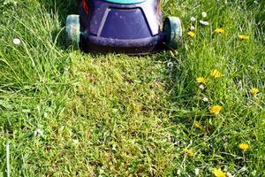 Hur att reparera en Briggs & Stratton ridning gräsklippare som inte startar