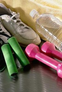 Hur man använder vattenflaskor som vikter