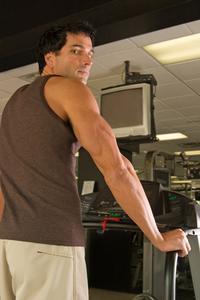 Hur gå ner i vikt genom att gå på ett löpband