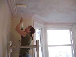 Hur man målar ett gips tak