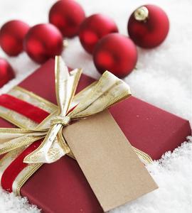 Presenter till äldre föräldrar på jul