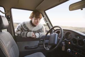 Hur man byter slitna sätet stoppning i lastbil eller bil
