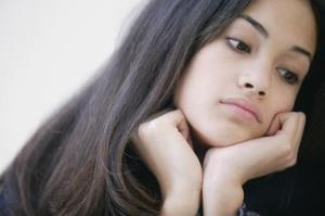 Hur man handskas med en tonårig flicka med attityd