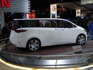 Kompakt SUV Vs. minibuss körsträcka