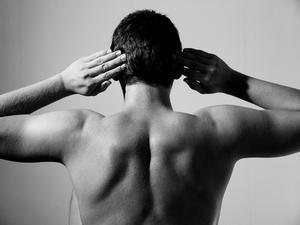Övre ryggraden sträckor