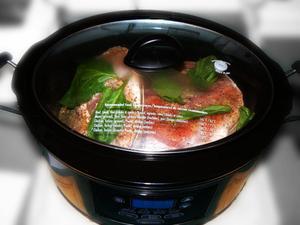 Hur man gör tjockare sås i en crock-pot