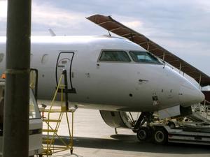 Vad är den genomsnittliga årliga lönen för en trafikplan bagage hanterare?