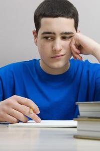 Hur kan jag hjälpa en tonåring pojke med hans minne?