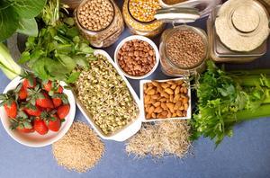 Vilka livsmedel ska jag äta för att gå ner i vikt?