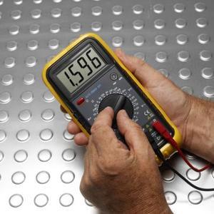 Hur till Check kontinuiteten på koaxiala kablar med en Multimeter