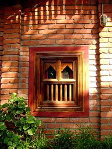 Hur man installerar byta fönster i ett tegelhus