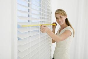 Hur man installerar fönstret i en aluminiumram fönster