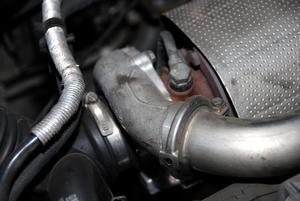 Hur att öka laddtrycket på en Audi TT