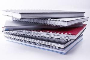 Hur man gör en bok täcka av konstruktion papper