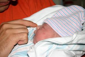 Varför får min nyfödda hicka?