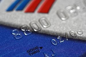 Hur kan man kontrollera Visa kreditkortstransaktioner Online