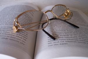 Ta bort beläggningar från receptbelagda glasögon