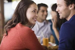 Tecken på att en man och kvinna har en relation
