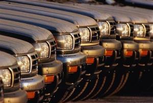 Hur du återställer en Nissan Pathfinder SES ljus
