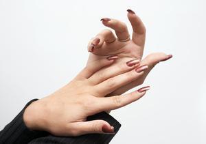 Hur man använder en acrylic nail maskin borr
