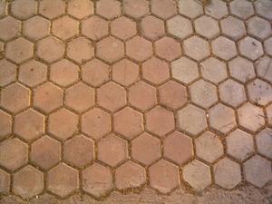 Hur rengör jag djupt Saltillo Tile?