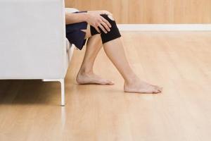 Vad är orsakerna till stift & nålar & ischiasnerven bensmärta?