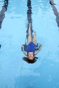 Hur du använder Clorox i din Pool