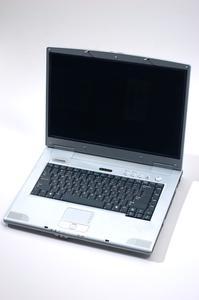 Hur man byter en Acer Laptop skärm