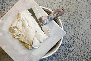 Hur man blandar puts och färg för grundmålning