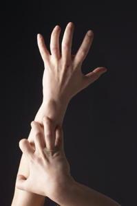 Hur man botar kliande händer & fötter på natten
