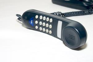 Hur konvertera en bordstelefon till Bluetooth