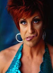 Förstå skillnaden mellan transpersoner, cross-dresser och drag queen