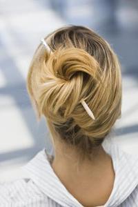 1940-talet stil Updos för mellanlångt hår