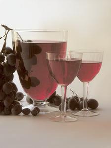 Ta bort röda vin fläckar från tänder