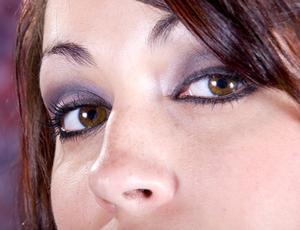 Hur bli av påsar under ögonen snabbt