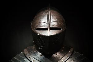 Hur man gör papper medeltida riddare hjälm