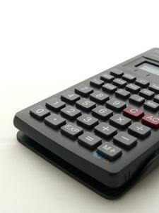 Hur gör jag lösa ekvationer med en Casio fx-991MS kalkylator?