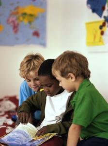 Hur man undervisar berättelse sekvenser på dagis